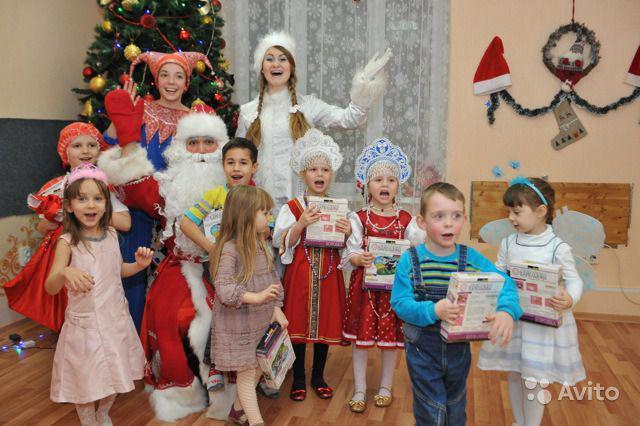 Приглашаем малышей на новогодние утренники с 25 декабря!