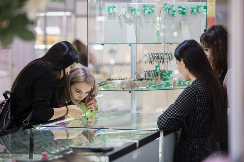 Драгоценные подарки для дорогих людей смогут приобрести все желающие на выставке «Эксклюзив»