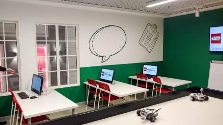 В городе профессий Kids City в Москве работают локации LEGO® Education Afterschool Programs