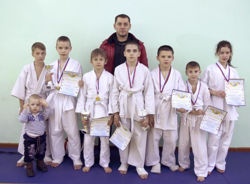 Мы победили на открытом городском турнире по кёкусинкай карате г Ростов на Дону 2013