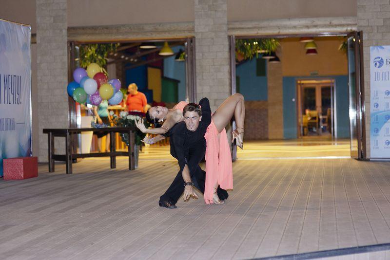 Рыбалкин Артем и Зуева Лариса, мастера спорта по бальным танцам