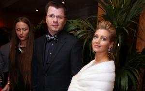 Кристина Асмус и Гарик Харламов стали родителями