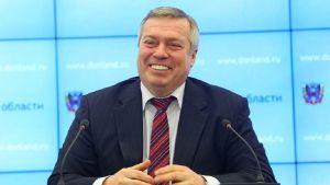 Василий Голубев выступил против запрета мобильных телефонов у детей в школах