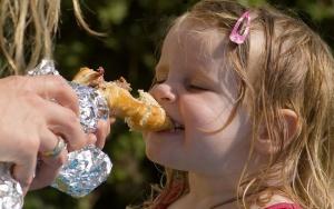 Каждый пятый ребенок в России имеет избыточный вес