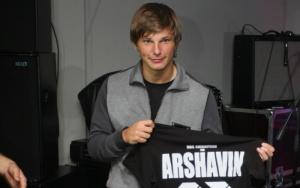 Дело об алиментах: Аршавин проигрывает экс-жене