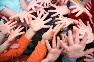 Помощь детскому дому