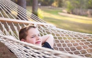 Обеспеченность родителей вредит детям