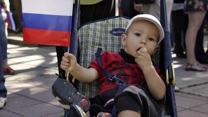Материнский капитал вырастет на 22 000 рублей