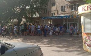 В детских поликлиниках Ростовской области собрались очереди из родителей, пришедших за справками для детских садов