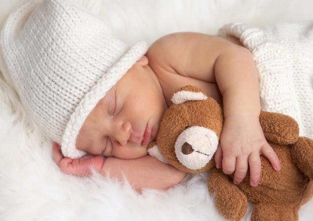 Здоровье новорожденного: как правильно подобрать матрас  и кроватку