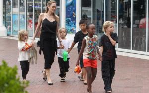 Пополнение в семье Анджелины Джоли и Брэда Питта