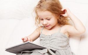 Ученые изменили свое мнение о вреде планшетов для детей