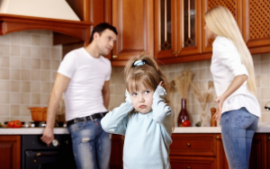 Развод родителей на треть повышает риск астмы у детей
