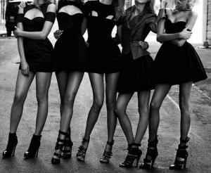Черное платье - образец стиля