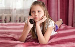 О чем говорят дети, когда звонят на телефон доверия
