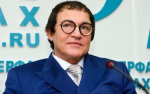 Дмитрий Дибров стал отцом в четвертый раз