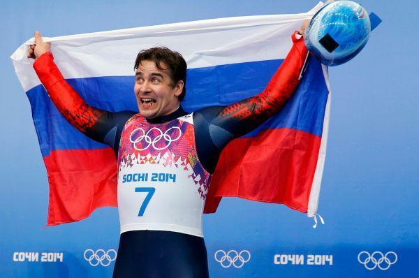 Саночный спорт - Альберт Демченко завоевал серебряную медаль.