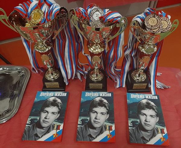 В столице в 12-ый раз прошел турнир по армрестлингу на Кубок Сергея Громова