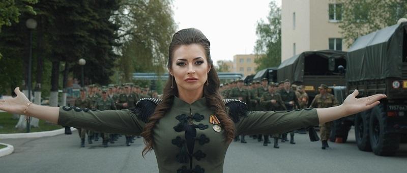 Наталья Самойлова совместно с Росгвардией сняла клип о спецназовцах