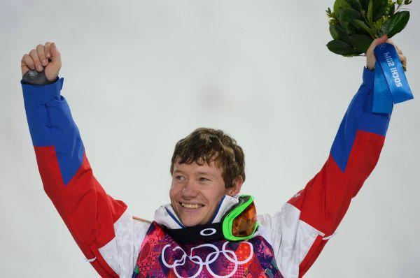 «Бронзу» принёс Александр Смышляев в соревнованиях по могулу.