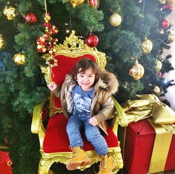 Анфиса Чехова поделилась новыми фото сына