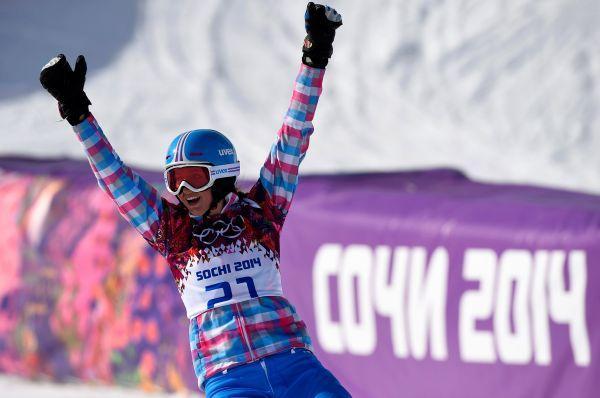 Сноубордистка Алена Заварзина завоевала бронзовую медаль.