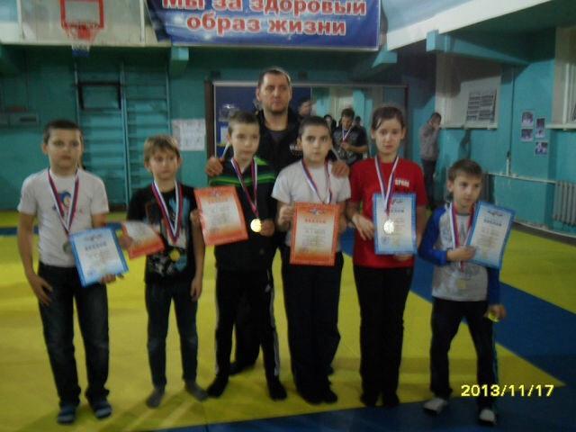 Мы победили на открытом областном турнире по ушу саньда г Таганрог 2013