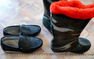 продам вместе 3 пары обуви. размер 25 и 26 . 350 р.