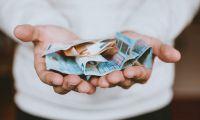 Исследование Bankiros.ru: Введенные правительством льготы сократили спрос на быстрые займы до зарплаты перед началом учебного го